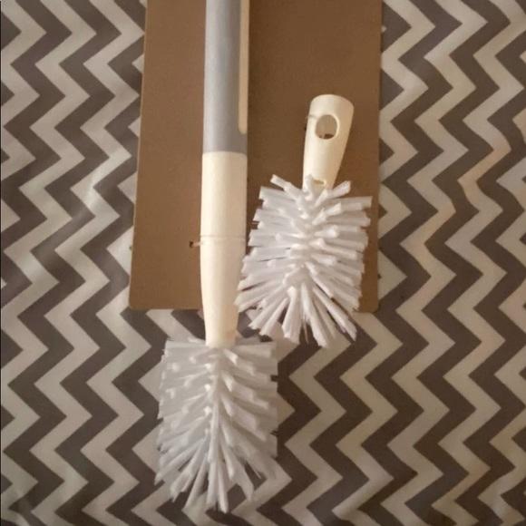 Rae Dunn Scrub Brush